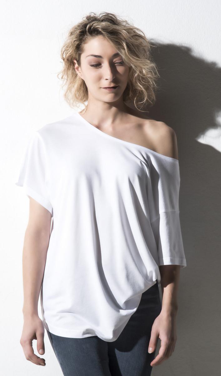 Nakedshirt Kate Viscose/Cotton Boxy Tee